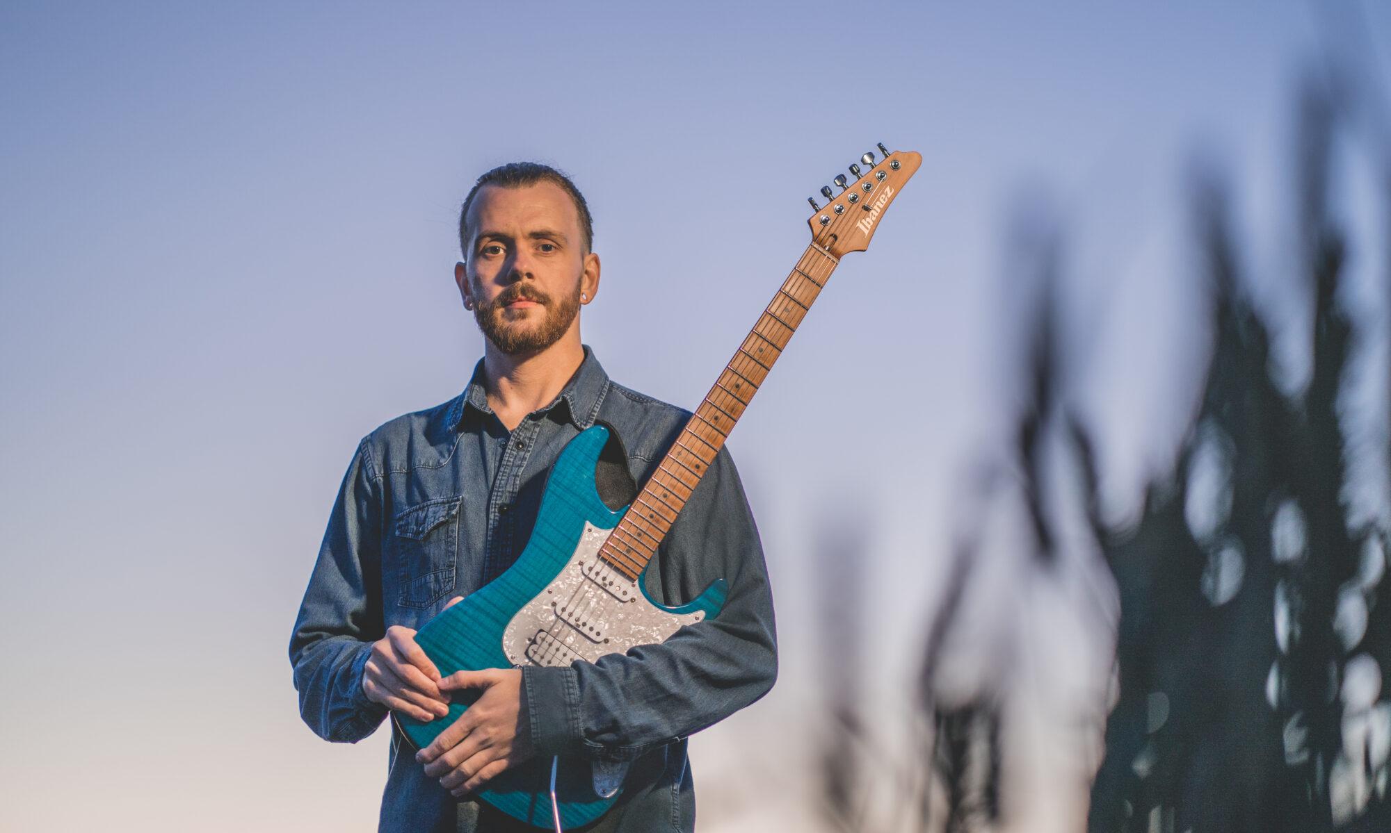 Sam Bell Guitarist